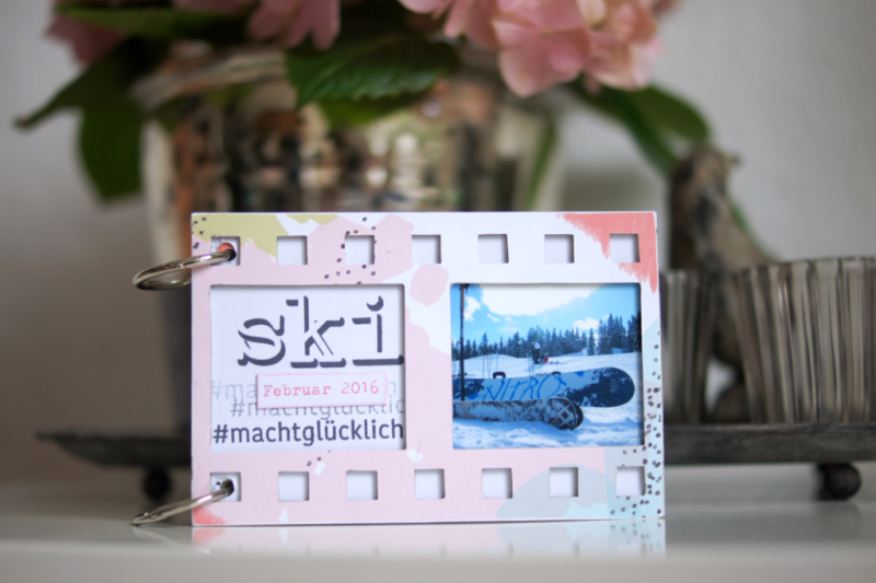 Sizzix Filmstrip Mini Scrapbooking Album