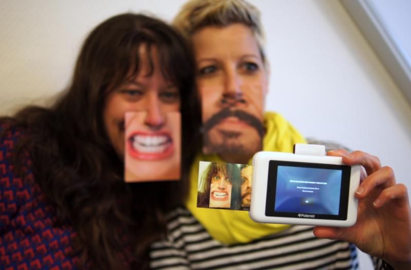 Polaroid Snaptouch Selfie