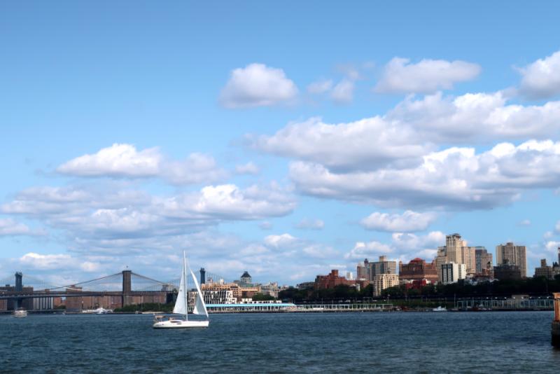 Blick von Governers Island auf Brooklyn