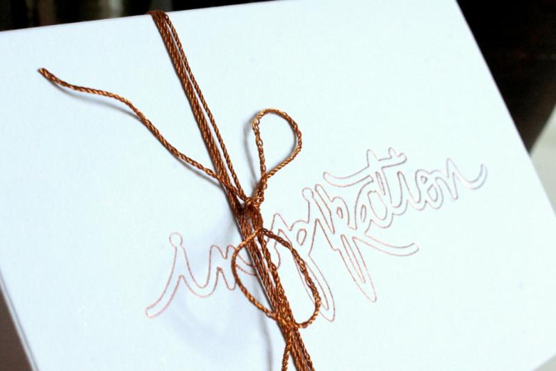 Buntbox Geschenkschachten mit geprägtem Schriftzug in kupfer und Kupfergarn