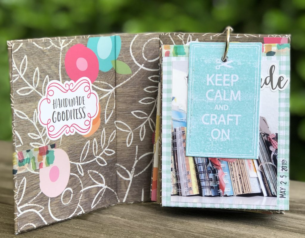 einfaches Scrapbooking Album über Scrapbooking mit Crafty Girl von Simple Stories