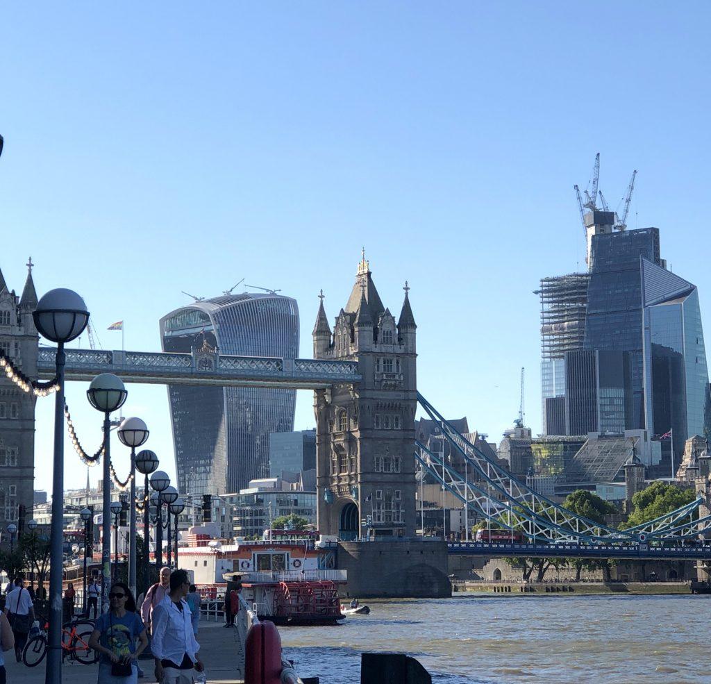Tower Bridge und Sky Garden London