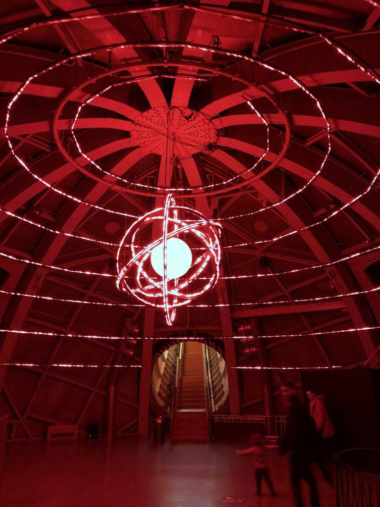 24 Stunden in Brüssel Atomium Lightshow