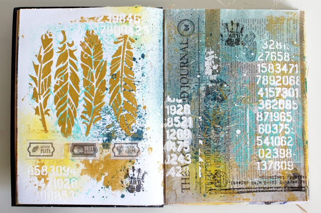 Art Journal mit Strukturpaste und Gold