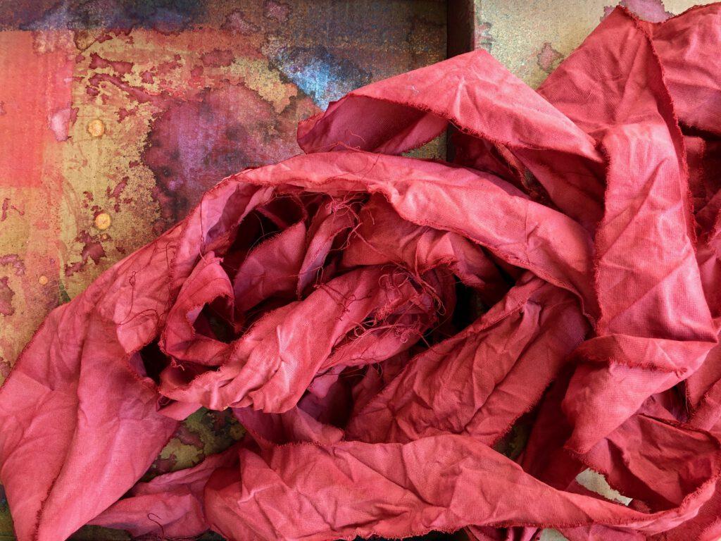 Geschenkbänder aus Stoff selbermachen