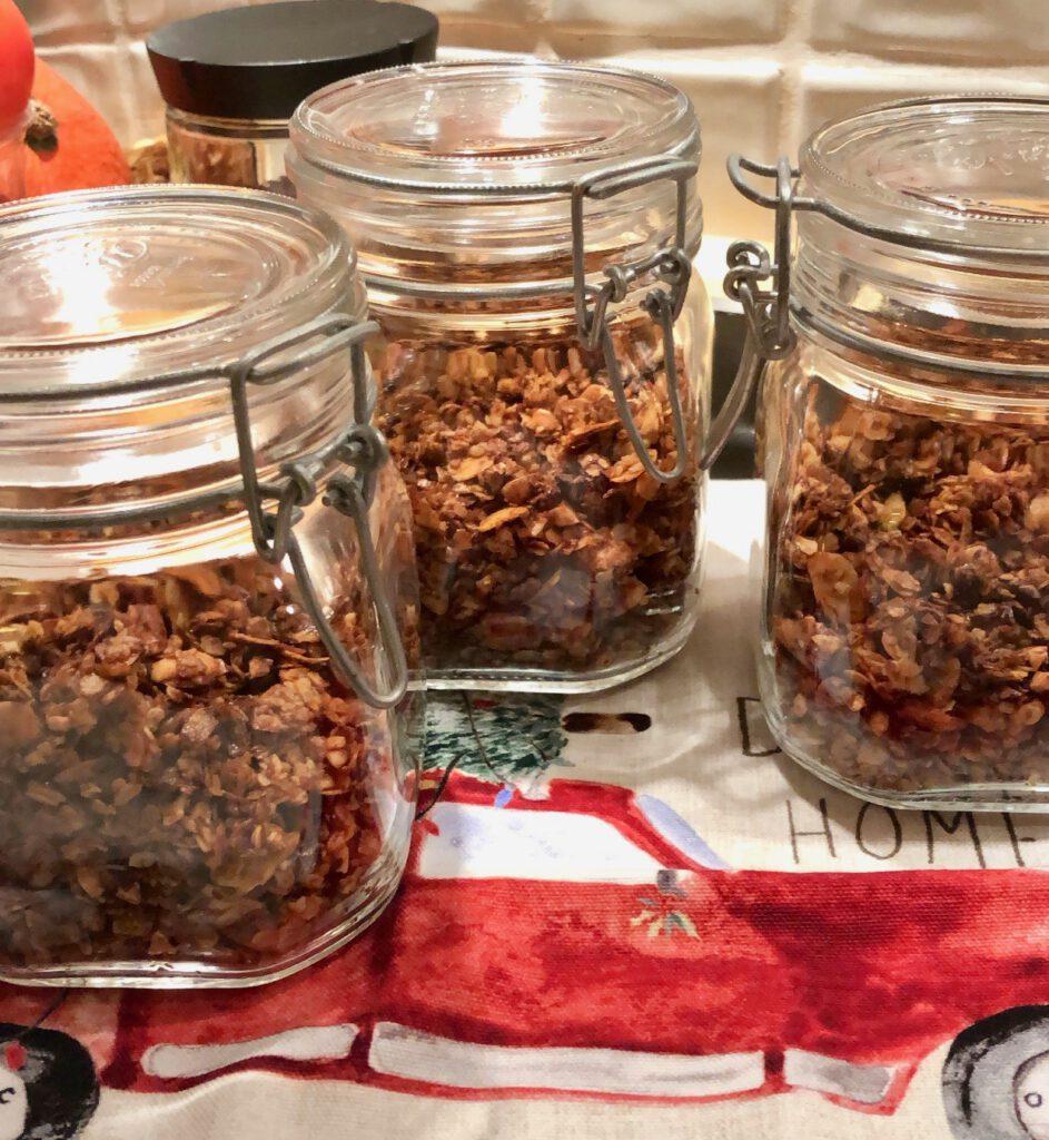 Schokoladen Erdnuss Granola